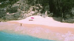 BERMUDAS famous pink sand beaches